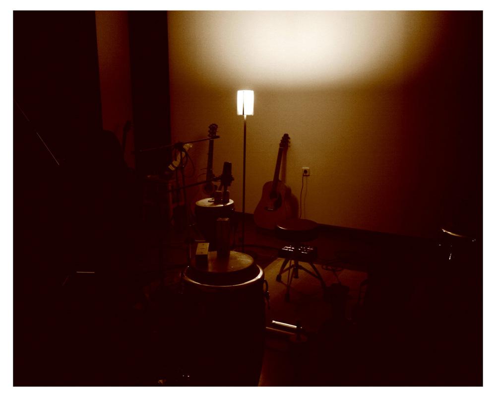 Sala de grabación con percusiones