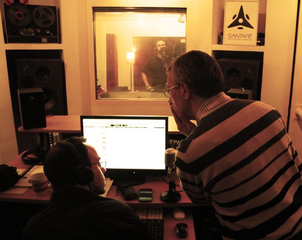 David Santafé y Fco. Javier Fernández Lorca durante las sesiones de grabación de voces y coros